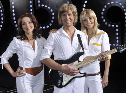 Koroniewska, Zielińska i Kurzajewski jako ABBA