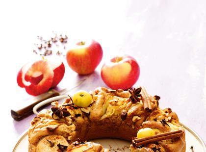 Korzenny placek z jabłkami