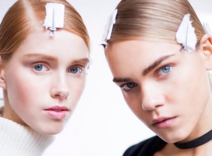 Kosmetyki kupowane w drogeriach odchodzą do lamusa. Co teraz nakładamy na twarz i ciało?