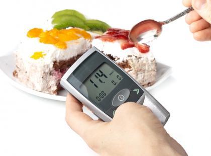 dieta, cukrzyca, jedzenie, kalorie, odchudzanie, glukometr, zdrowie, medycyna/fot. Fotolia