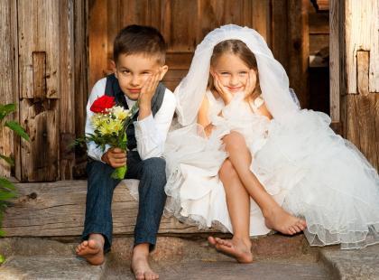 Kreacje dla małych dam – sukienki dla dziewczynek na wesele z oferty Bonprix. 10 propozycji dla każdej małej damy!