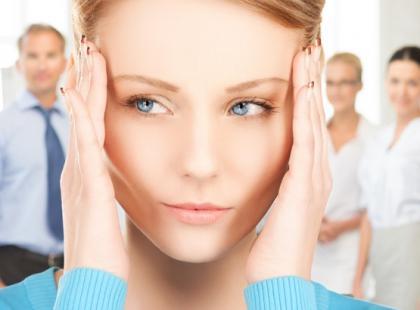 Kręci ci się w głowie? Oto 8 najczęstszych przyczyn zawrotów głowy