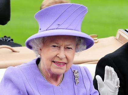 Królowa Elżbieta II - Ciężar korony
