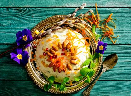 Królowa wśród świątecznych deserów! Zobacz, jak zrobić najlepsze paschy wielkanocne na kilka sposobów!
