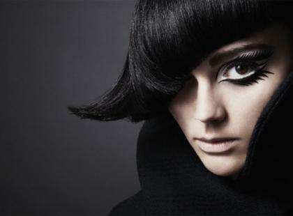 Krótkie cięcie - modne fryzury na 2010 rok