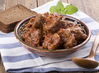 Kruche mięso idealne na obiad - sprawdź nasze przepisy na bitki wołowe