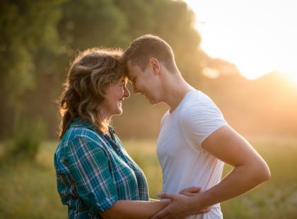 Krystyna Mirek: O miłości, która jest za duża. Dlaczego matka powinna w pewnym momencie wycofać się z życia syna?
