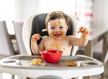 Krzesełko do karmienia dziecka – czy warto je kupić? Sprawdzamy!