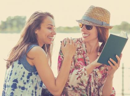 """Książka idealna na wiosnę! """"My i cała reszta"""" z pewnością ci się spodoba"""