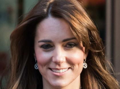 Księżna Kate skróciła włosy i założyła tę samą kreację, co 3 lata temu