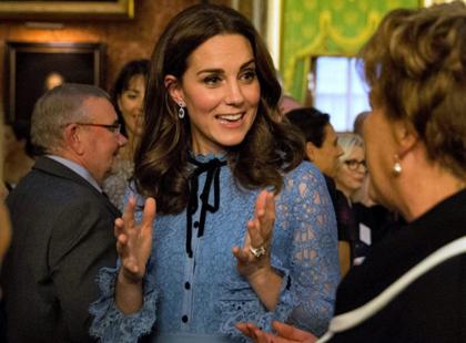 Księżna Kate w trzeciej ciąży po raz pierwszy pokazała się publicznie. Widać już brzuszek?
