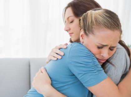 Kto i jak może pomóc rodzicowi po stracie dziecka?