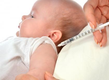 Które dzieci mogą otrzymać przeciwciała niszczące wirus RS bezpłatnie?