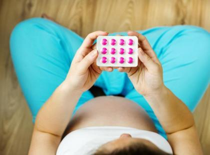 Które składniki trzeba suplementować w ciąży?