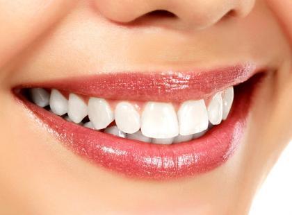 Które zabiegi stomatologiczne warto wykonywać w domu?