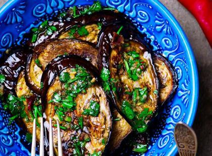 Kuchnia Anny Jurksztowicz: bakłażany z parmezanem