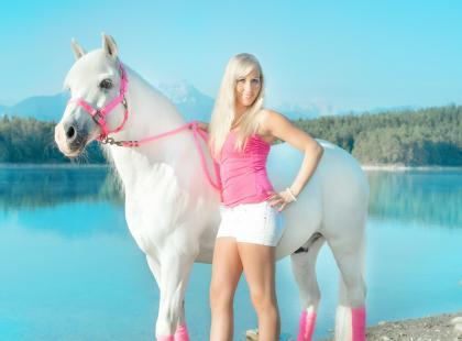 Kult chudego ciała – dlaczego kobiety chcą wyglądać jak Barbie?