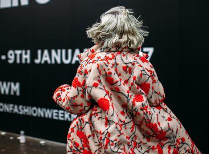 Kup na wyprzedażach i noś wczesną wiosną! 13 efektownych płaszczy z Monnari