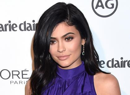 """Kylie Jenner spodziewa się dziecka, a internet huczy od plotek: """"Tak nie wygląda kobieta w ciąży!"""""""