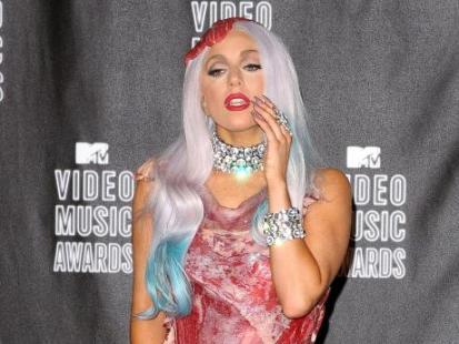 Lady Gaga cała w mięsie