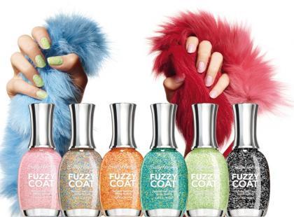 Lakiery Fuzzy Coat Textured Nail Color - Sally Hansen
