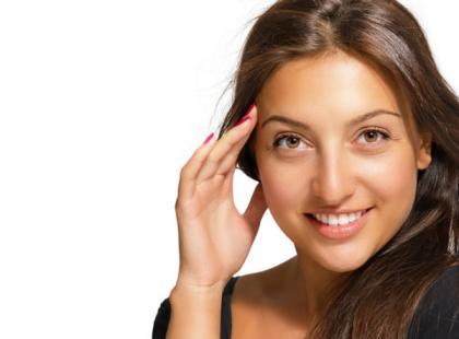 Laminowanie – najlepszy domowy sposób na lśniące włosy