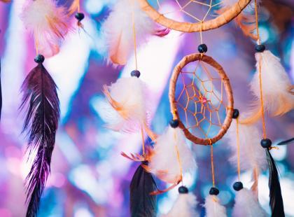 Łapacz snów: modny, a zarazem kontrowersyjny dodatek do domu. Poznaj jego historię i zobacz inspiracje!