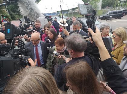 """""""Łatwiej było wjechać do oblężonego Groznego czy Sarajewa, niż wejść do Sejmu w moim kraju"""" - Janina Ochojska wspiera protest niepełnosprawnych"""