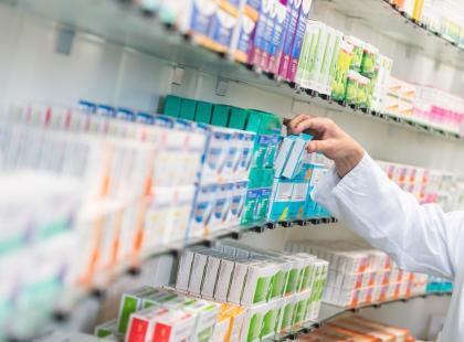 """Lekarz przepisuje, aptekarz odmawia sprzedaży, bo to """"niezgodne z jego sumieniem"""", a pacjent zostaje bez leku. Już wkrótce w Polsce?"""