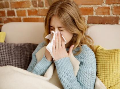 Lekarze ostrzegają: w tym sezonie rekordowo dużo osób w Polsce zmarło z powodu grypy!