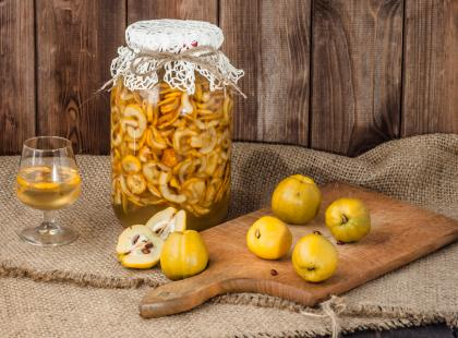 Lekko kwaskowa i aromatyczna - sprawdź nasze przepisy na napoje z pigwą
