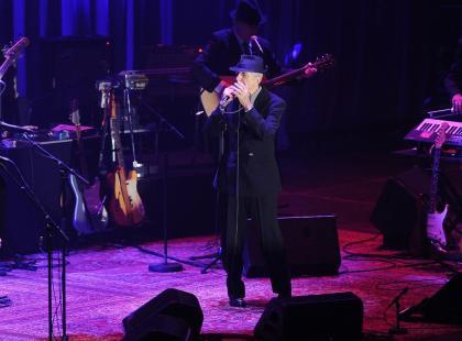 """Leonard Cohen, autor słynnych """"In my secret life"""" czy """"Halleluyah"""" nie żyje. Wiedziałyście,że miał polskie korzenie?"""