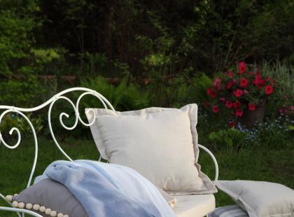 Letnie inspiracje ogrodowej jadalni z marką Dekoria