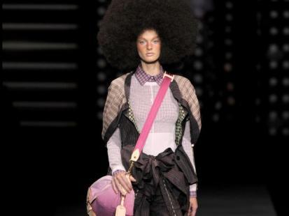 Louis Vuitton: pokaz wiosna-lato 2010 (video)