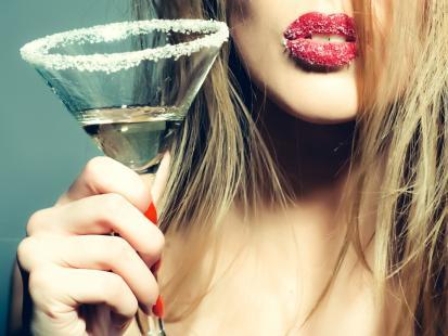 Lubisz alkohol? Sprawdź, czy twoje picie alkoholu nie stało sięjuż problemem! [quiz]