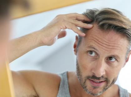 Łysiejesz? Postaw na domowe metody wzmacniania włosów!