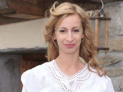 Magda Schejbal w stroju ludowym