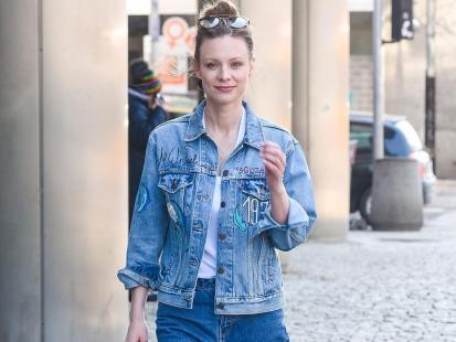 Magdalena Boczarska pokazała, jak wygląda na planie po 10 godzinach pracy i bez grama makijażu. Poznałybyście ją?