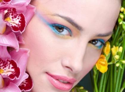Makijaż: elegantka czy wamp?