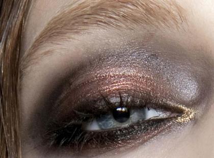 Makijaż na imprezę: Metaliczne cienie do powiek