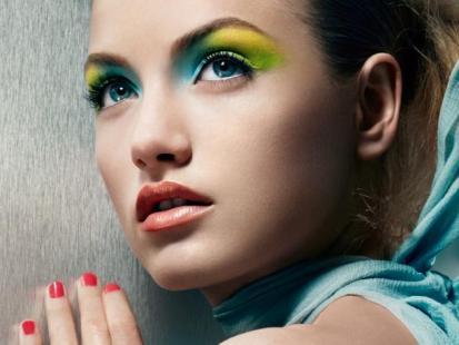 Makijaż na lato 2010: Max Colour Effect