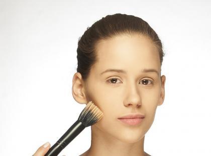 Makijaż na studniówkę lub szkolną imprezę - krok po kroku