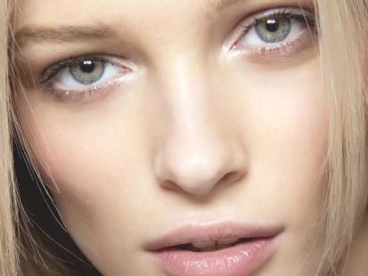 Makijaż na Święta: Eteryczna blondynka