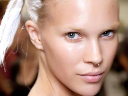 Makijaż na wiosnę: Siła pereł