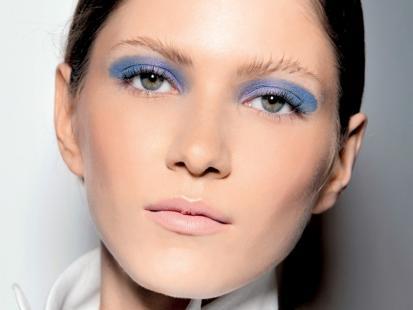 Makijaż-trendy 2012: Szafirowy makijaż oczu