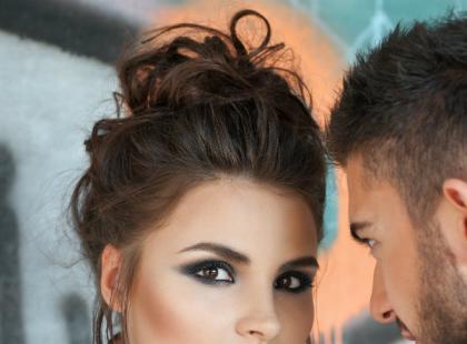 Makijaż w stylu grunge – jakich kosmetyków użyć?