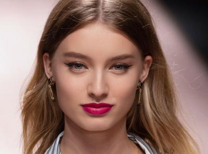 Makijaż wieczorowy dla blondynek? Zobacz, jakie trendy będą królowały w tym sezonie!