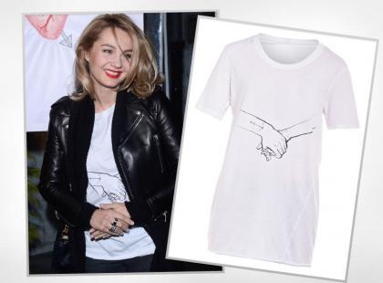 Małgorzata Socha nosi t-shirt od polskiego projektanta