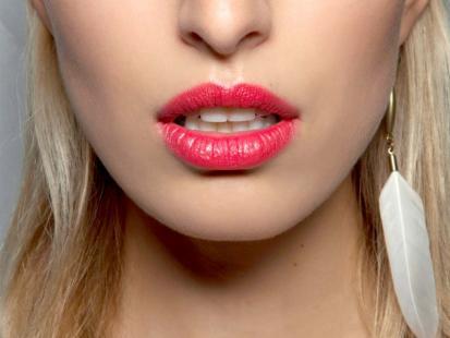 Malinowe usta - trendy w makijażu