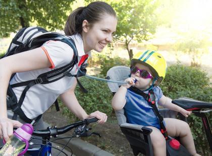 Mama na rowerze!